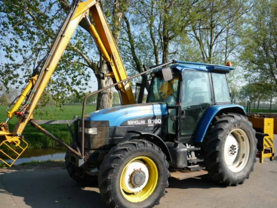 Te koop TRACTOREN > NEW HOLLAND > 8160 New Holland 8160