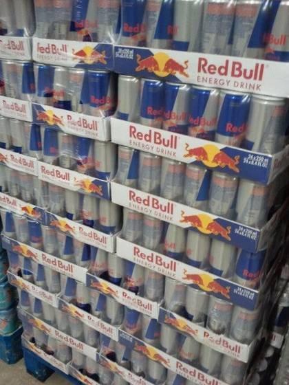 Te koop RedBull 250ml Blikken
