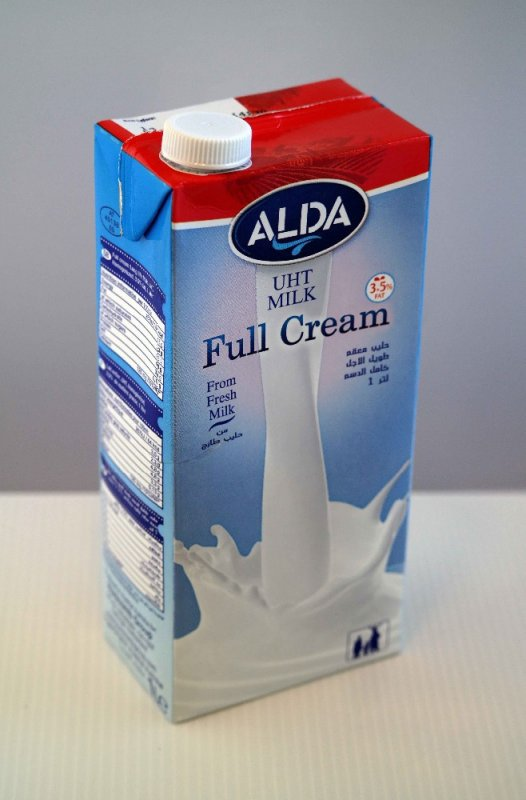 Te koop Volle UHT houdbare melk, 3,5% vet (1 liter)
